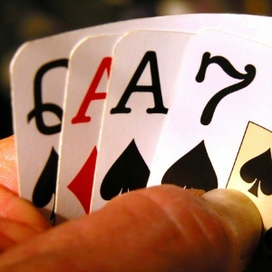 Tip of the Week – Guide To Playing Omaha Poker